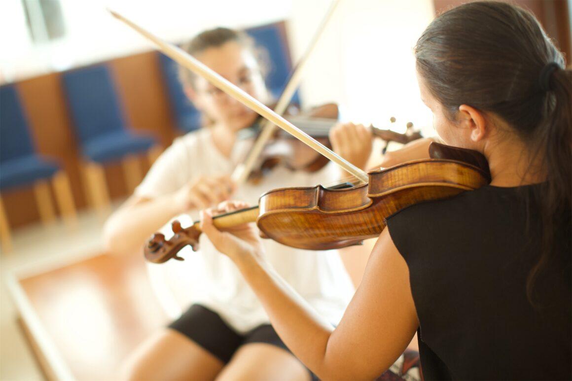 Viola, violino e violoncello